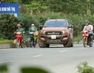 Ô tô vi phạm quay đầu bỏ chạy khi thấy CSGT trên đại lộ Thăng Long