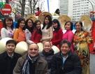 Người Việt tại Pháp lần đầu tham gia diễu hành nhân Tết Nguyên Đán
