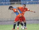 Đội tuyển Việt Nam dừng buổi tập vì mưa quá to