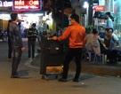 Loa thùng hát rong vây hãm hàng quán Hà Nội