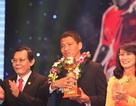 Anh Đức giành Quả bóng vàng Việt Nam 2015
