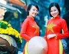 Ngắm thiếu nữ Việt khắp năm châu gợi cảm trong tà áo dài