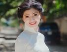 Cô gái xứ Thanh cao 1m70 đẹp tinh khôi với áo dài trắng