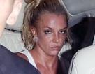 Britney lộ mặt mệt mỏi, già nua