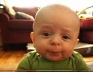 """""""Cười rớt hàm"""" với biểu cảm của bé"""