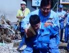 Thứ trưởng Nhật Bản bị chỉ trích vì được cấp dưới cõng qua vũng lầy