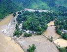 Thôn bản nghèo giữa hai dòng nước lũ