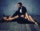 Siêu mẫu Mỹ: Bầu bí vẫn diện váy bó sát