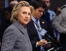 """""""Cú sốc tháng 10"""" liệu có quật ngã bà Clinton?"""