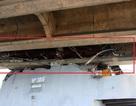 """""""Đột nhập"""" cabin tàu 3.000 tấn và phía dưới dầm cầu bị đâm vỡ"""