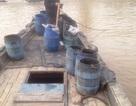 Bắt quả tang đôi vợ chồng đổ hàng chục thùng chất thải xuống biển