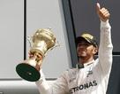 Lewis Hamilton thắng nhẹ nhàng tại sân nhà