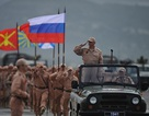 Video lính Nga duyệt binh mừng chiến thắng phát xít ở Hmeymim,Syria