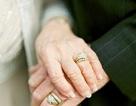 Cảm động đôi vợ chồng già cưới lại sau 63 năm