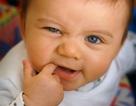 Mách mẹ cách chăm trẻ biếng ăn do mọc răng
