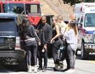 Gia đình cô Kim tới hiện trường vụ tai nạn ô tô
