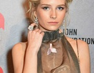 """Em gái Kate Moss """"lộ hàng"""" vì diện váy xuyên thấu"""