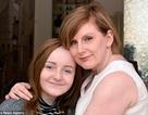 Bé gái 13 tuổi ngồi xe lăn sau khi tiêm vắc xin phòng ung thư cổ tử cung