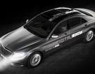 Mercedes-Benz giới thiệu đèn pha kỹ thuật số dùng 8.000 chip Led