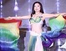 Nữ sinh trường Báo múa đẹp như vũ công chuyên nghiệp