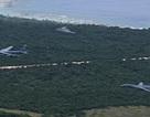 Bộ ba máy bay ném bom chiến lược của Mỹ lần đầu phô diễn ở Biển Đông
