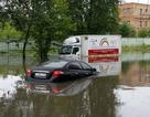 Moscow chìm trong biển nước do mưa lớn kỉ lục