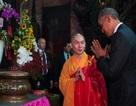 Tổng thống Obama công đức tại chùa Ngọc Hoàng