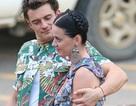 Orlando Bloom nhìn Katy Perry âu yếm