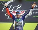 Lorenzo chiến thắng trong chặng đua đầy rẫy tai nạn