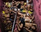 """Những hình ảnh nghẹt thở trong nhà tù """"đất chật người đông"""" của Philippines"""