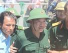 Phi công Nguyễn Hữu Cường trở về đất liền an toàn