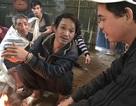 Gặp người chạy thoát ngoạn mục trong vụ lở núi vùi nhà ở Quảng Ngãi
