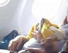 Hy hữu bà mẹ sinh con trên máy bay