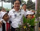 Bộ trưởng Phùng Xuân Nhạ thị sát giáo dục vùng khó khăn