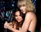 Giữa tâm bão chỉ trích, Taylor Swift vẫn điềm nhiên mừng sinh nhật bạn thân