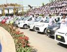 Ông chủ hào phóng nhất thế giới: tặng nhân viên 1.260 chiếc xe và 400 căn hộ