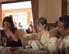 Cặp đôi cho khách mời thưởng thức tiệc cưới làm từ… phế phẩm