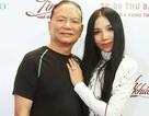 Vợ chồng ca sĩ Quỳnh Lan – thi sĩ Huỳnh Ngọc Ẩn tình tứ trong hậu trường