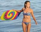 Cựu bond girl lộ thân hình gân guốc