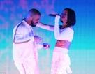 Rihanna trình diễn khiêu khích bên người yêu cũ Drake