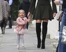 Cháu gái 2 tuổi của tỷ phú F1 mặc áo 4000 bảng