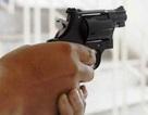 Làm rõ vụ tình trẻ của Phi Thanh Vân rút súng dọa bắn người trên phố