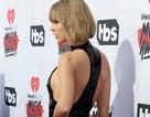 Ngắm lưng trần quyến rũ của Taylor Swift