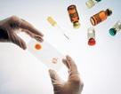 """Hành trình gian nan """"săn tìm"""" vắc xin HIV"""