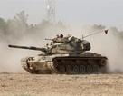 Xe tăng Thổ Nhĩ Kỳ rầm rập tiến vào Syria