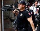Thổ Nhĩ Kỳ khẩn cấp dồn binh và xe bọc thép tới Istanbul sau khi phát hiện trực thăng lạ