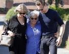 Taylor Swift rạng rỡ đi chơi cùng mẹ người yêu