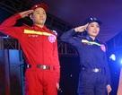 Sinh viên ĐH Phòng cháy chữa cháy sải bước catwalk trong trang phục ngành