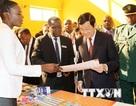 Chủ tịch nước thăm hỏi cán bộ viễn thông Việt Nam tại Tanzania