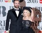 """Mỹ nhân 48 tuổi Kylie Minogue mặc như công chúa sánh đôi cùng """"ông xã"""" kém 20 tuổi"""